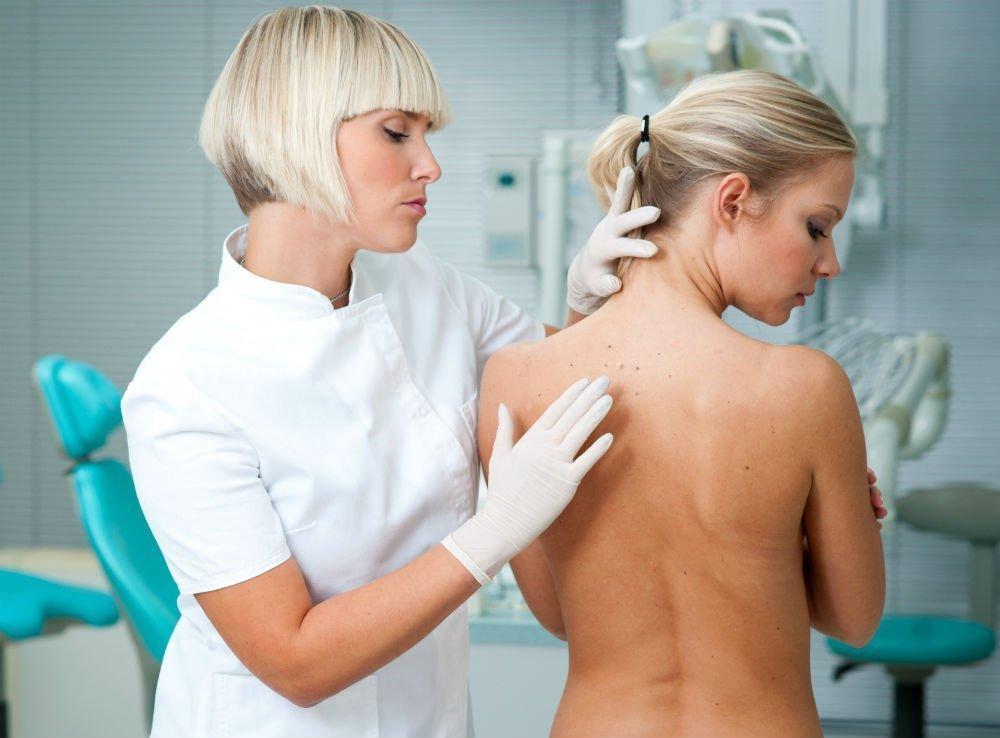 Проявления хронической крапивницы, покраснение и боли, принципы лечения дерматитов и аллергии