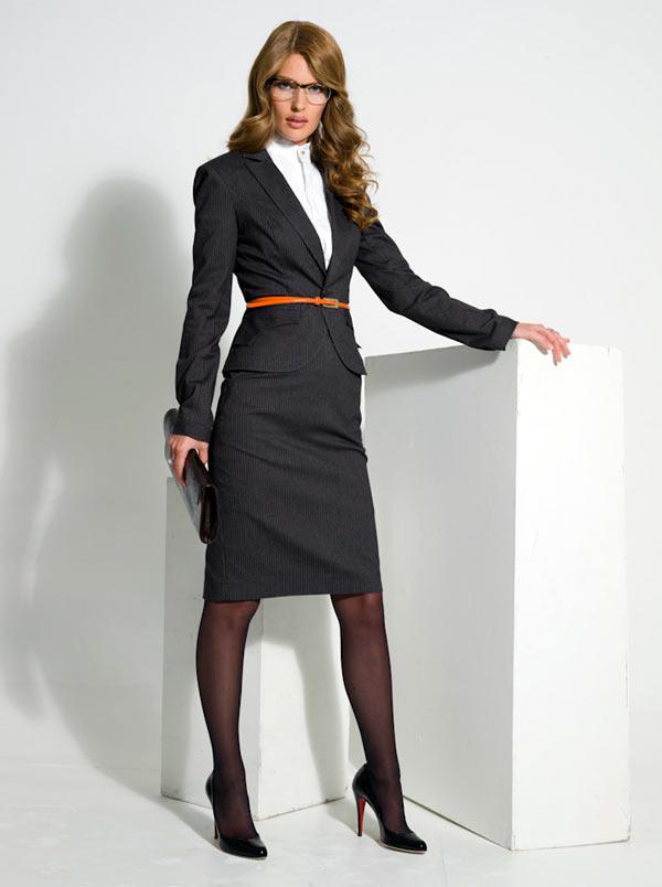 Простые правила при выборе женской одежды делового стиля
