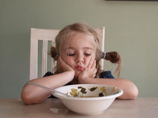 Как уговорить ребенка есть суп